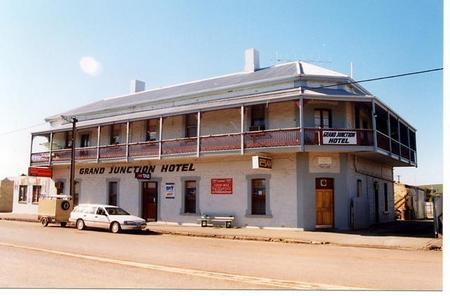 Grand Junction Hotel - Geraldton Accommodation