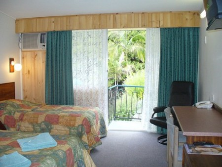 Coachman Motel - Geraldton Accommodation