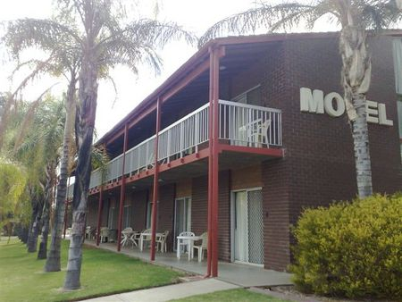 Barmera Hotel Motel - Geraldton Accommodation