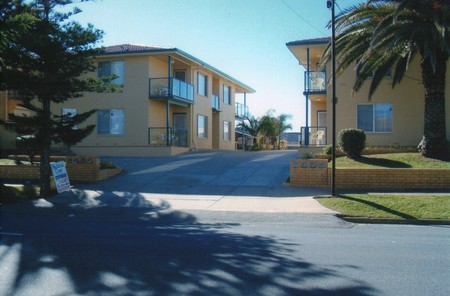AA Madalena Court Holiday Apartments - Geraldton Accommodation