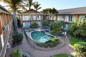 Quality Hotel Melbourne Airport - Geraldton Accommodation