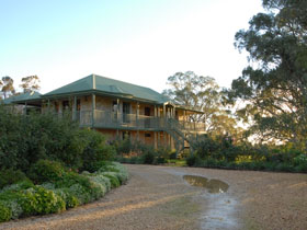 Lindsay House - Geraldton Accommodation