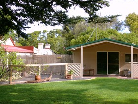 Shiralea Country Cottage - Geraldton Accommodation