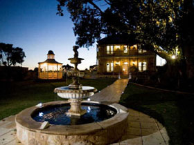 Rose-Eden House - Geraldton Accommodation