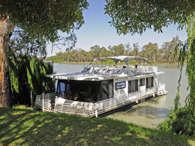 Moving Waters Self Contained Moored Houseboat - Geraldton Accommodation