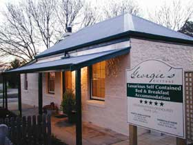Georgie's Cottage - Geraldton Accommodation