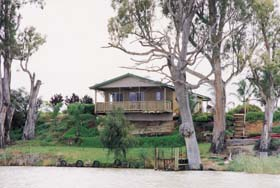 Mundic Grove Cottage - Geraldton Accommodation