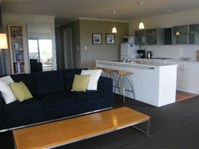 Coorong Waterfront Retreat - Geraldton Accommodation