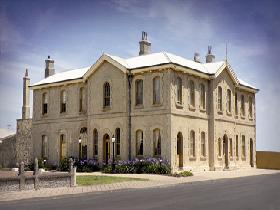 The Customs House - Geraldton Accommodation