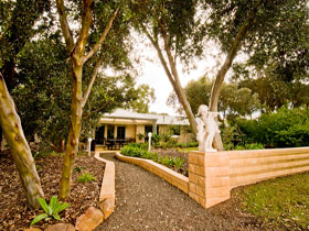 Correa Corner Bed  Breakfast - Geraldton Accommodation