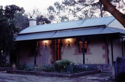 Walnut Cottage - Geraldton Accommodation