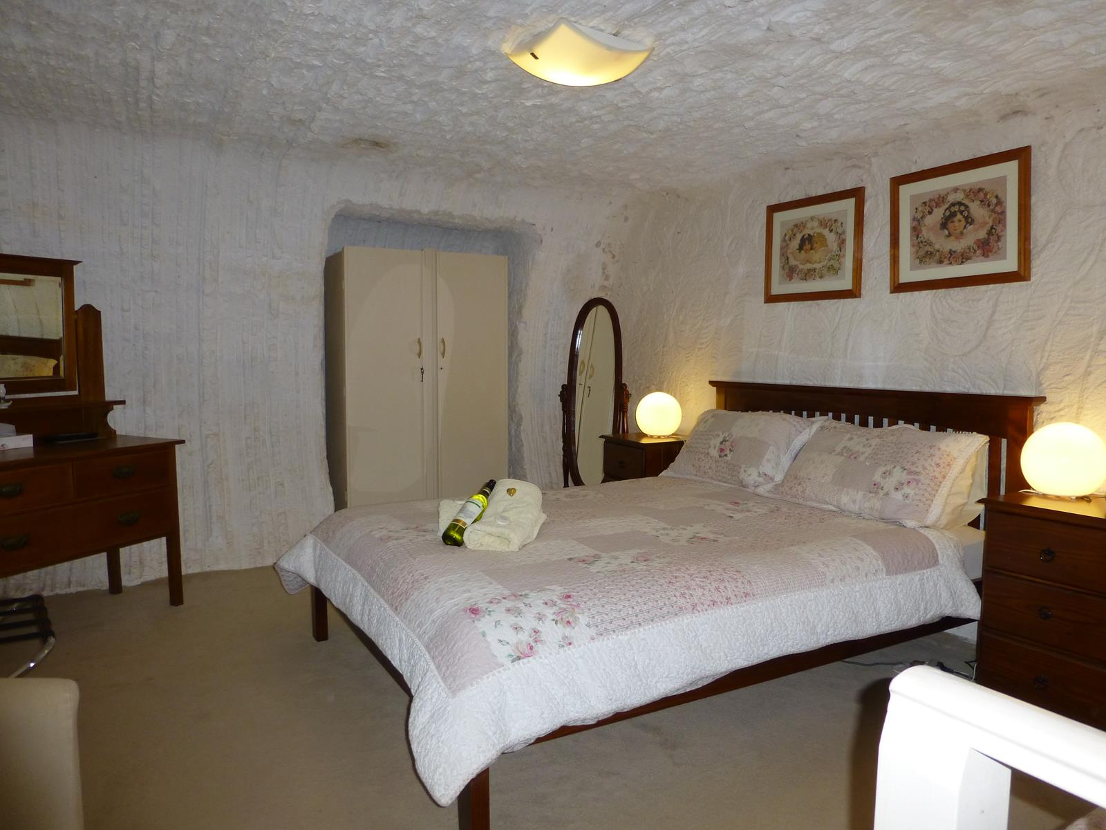 Underground Bed and Breakfast - Geraldton Accommodation
