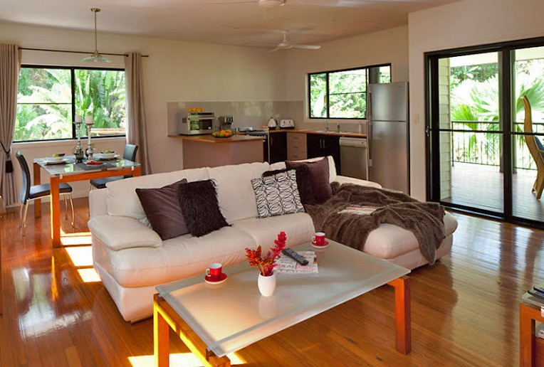 Misty Mountains Tropical Rainforest Romantic Retreat - Geraldton Accommodation