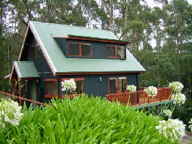Tree Tops Cascades - Geraldton Accommodation