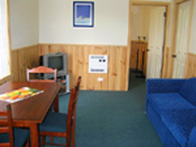 Driftwood Strahan Villas - Geraldton Accommodation