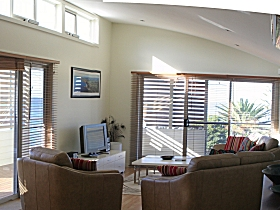 Paradise House - Geraldton Accommodation