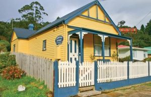 Comstock Cottage - Geraldton Accommodation