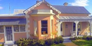 Cromwell House - Geraldton Accommodation