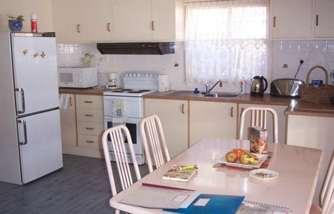 Azalea Cottage - Geraldton Accommodation