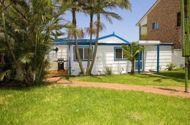 A Beach House on Sunset - Geraldton Accommodation