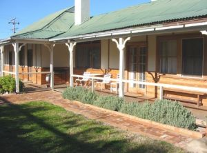 Gundagai Historic Cottages Bed and Breakfast - Geraldton Accommodation