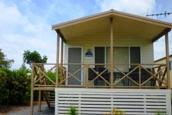 Belmont Pines Lakeside Holiday Park - Geraldton Accommodation