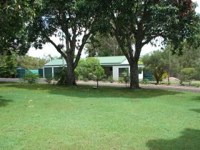 Bungadoo Country Cottage - Geraldton Accommodation