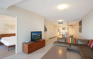 Grand Mercure Apartments Coolangatta - Geraldton Accommodation