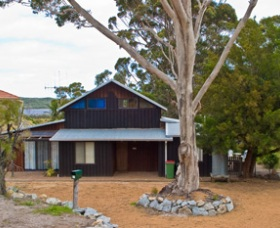 Amys Inlet View Retreat - Geraldton Accommodation