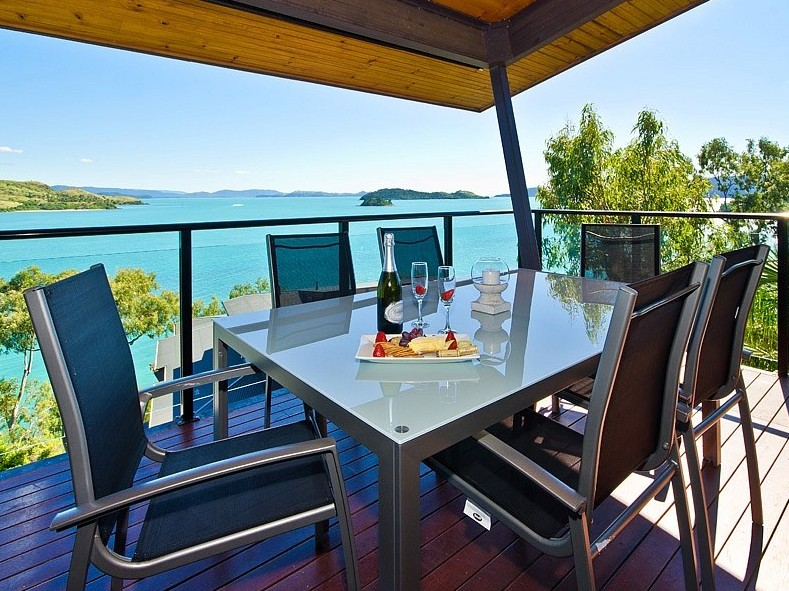 Hamilton Island 'Shorelines' Apartment