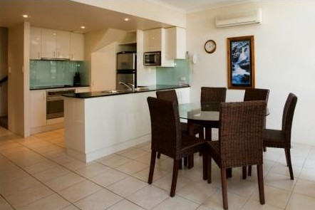 A Tropical Nite - Geraldton Accommodation