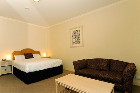 Quality Hotel Tiffins on the Park - Geraldton Accommodation