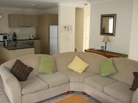 Pacific Sun Gold Coast Holiday Townhouse - Geraldton Accommodation