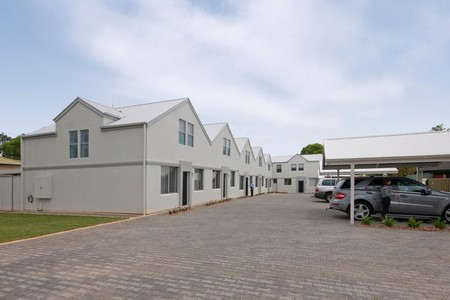 Hello Adelaide Motel  Apartments - Geraldton Accommodation