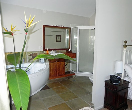 Airlie Waterfront Bed and Breakfast - Geraldton Accommodation