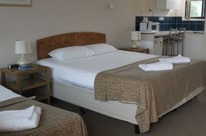 A' Montego Mermaid Beach Motel - Geraldton Accommodation