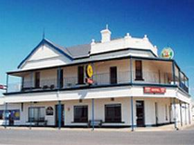 Seabreeze Hotel - Geraldton Accommodation
