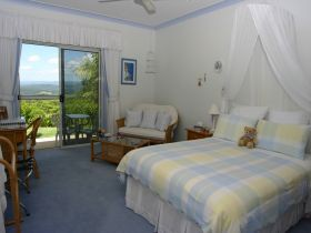 Ninderry Manor Luxury Retreat BampB - Geraldton Accommodation