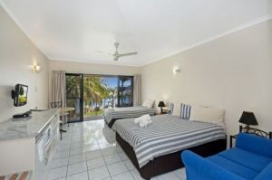Hinchinbrook Marine Cove Motel - Geraldton Accommodation