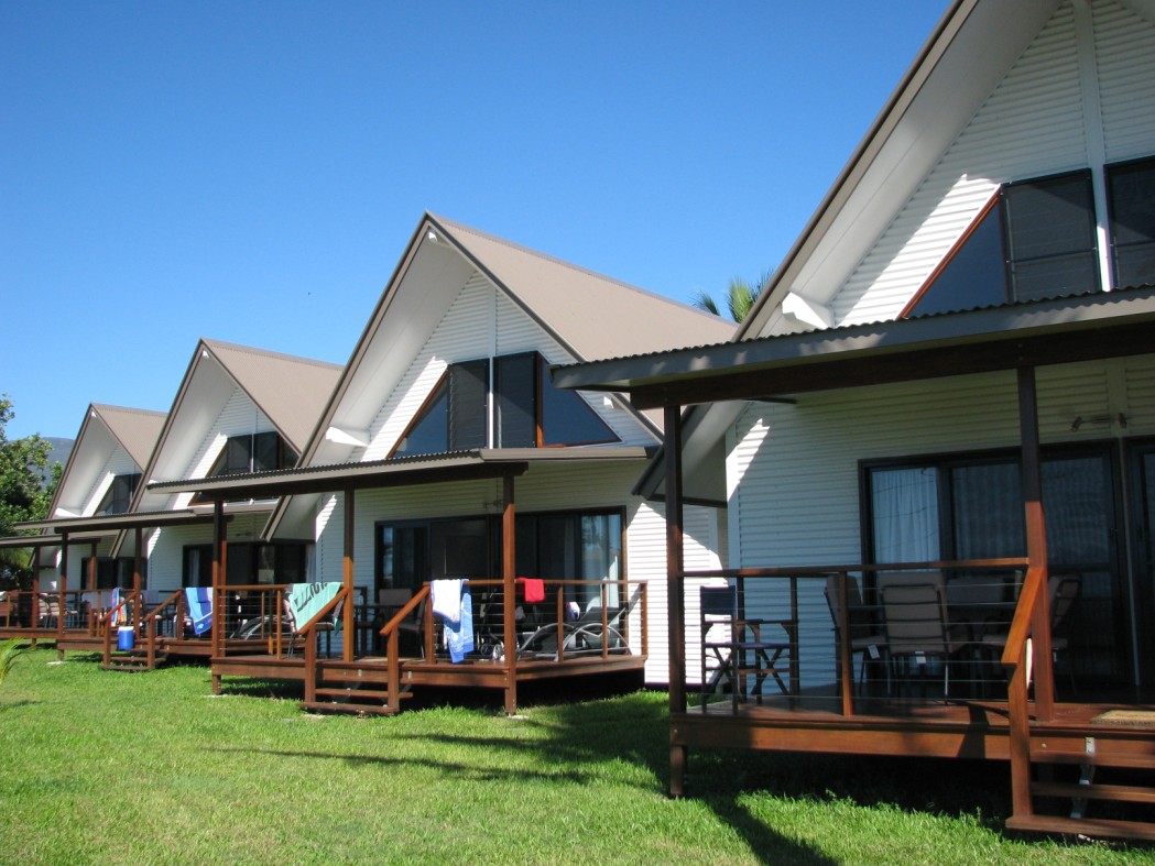 Cardwell Beachcomber Motel  Tourist Park - Geraldton Accommodation