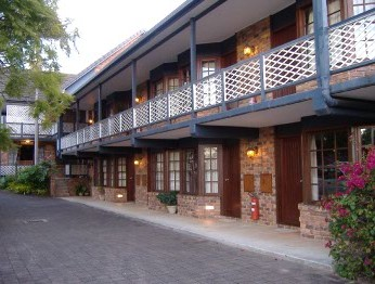 Montville Mountain Inn - Geraldton Accommodation