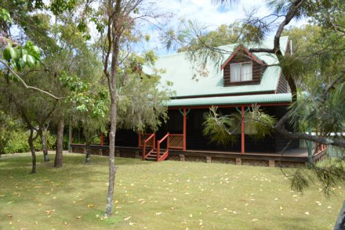 The Wooli River Cottage - Geraldton Accommodation