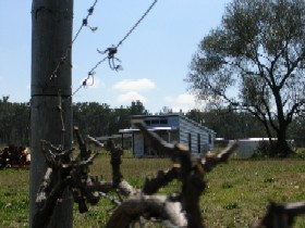 Ridgemill Escape - Cabins In The Vineyard - Geraldton Accommodation