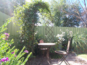 Robyn's Nest Country Cottages - Geraldton Accommodation