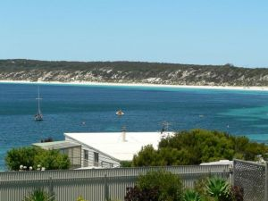 Fareview Beach House - Geraldton Accommodation