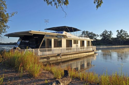 Houseboat Heaven - Geraldton Accommodation