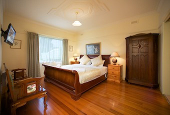 Nazaaray Beach House - Geraldton Accommodation