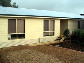 Footsteps At Normanville - Geraldton Accommodation