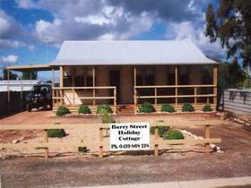 Cowell Barry Street Holiday Cottage - Geraldton Accommodation