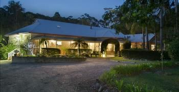 Noosa Valley Manor BampB Retreat - Geraldton Accommodation